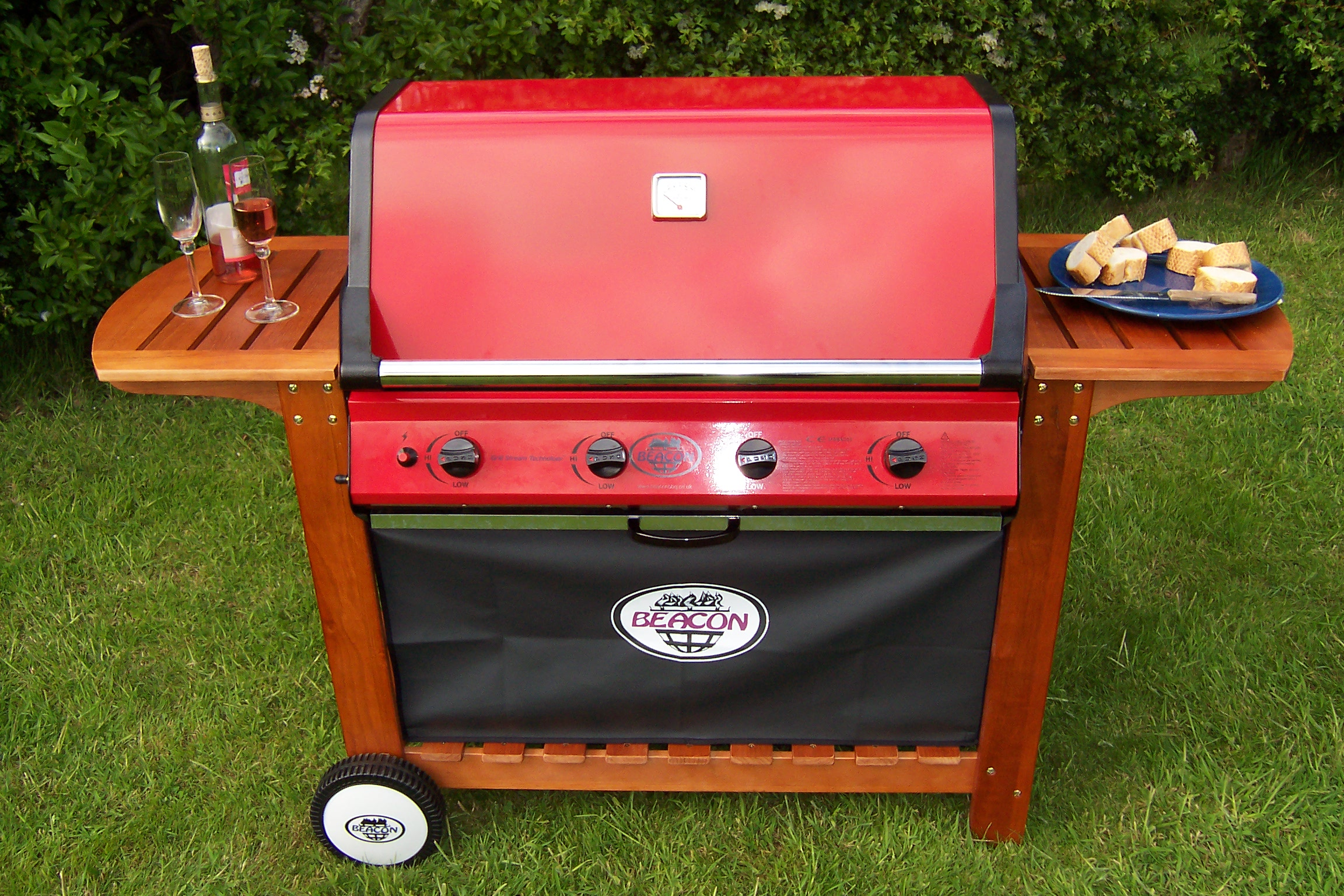 The best price 4 burner gas BBQ on the internet !